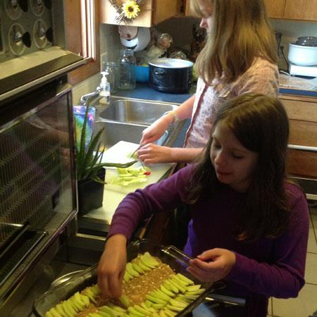 girls cooking2
