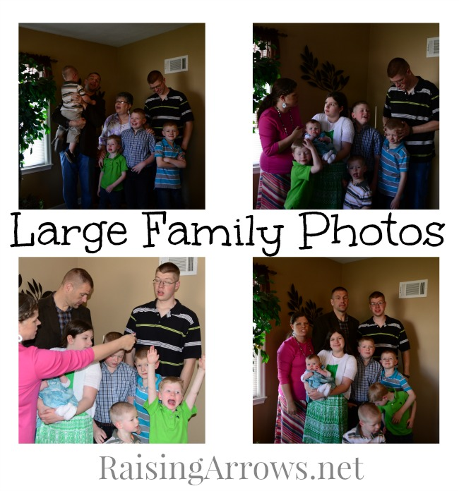 Large Family Photos - they can be stressful, comical, and downright crazy !  How to get a large family photo you love! | RaisingArrows.net