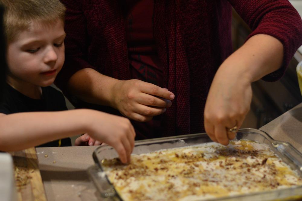 Pumpkin Crumble Cake - simple crowd pleasing recipe!
