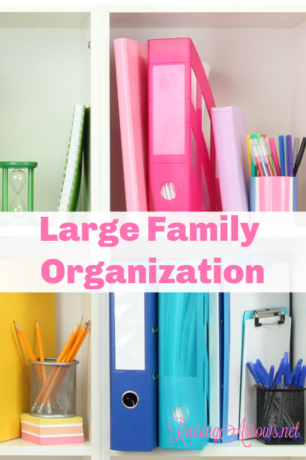 HUGE list of large family organization resources. Simple tips for organizing your home, homeschool, van, clothing, bedrooms, and more!